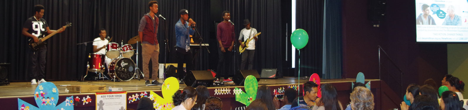 band playing at multicultural expo 2016
